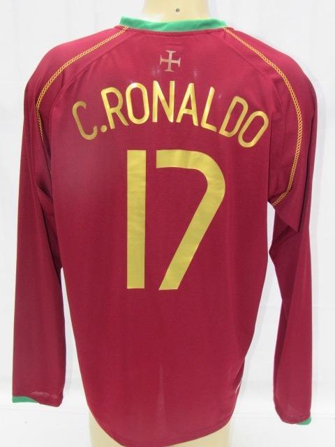 camisa futebol portugal  17 c. ronaldo copa 06 manga longa · camisa futebol  portugal 97354359e4875