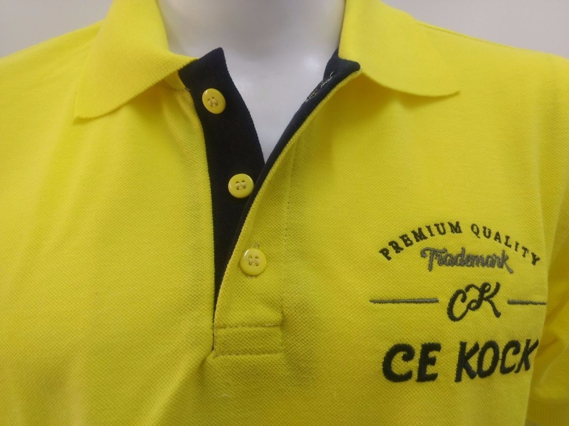 f4ea209e49 camisa gola polo masculina brasão amarelo piquet cekock. Carregando zoom.