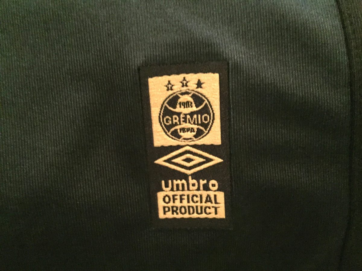 db9f33db6cb71 camisa gremio brasileirão 2015 uniforme 3 de jogo  34. Carregando zoom.