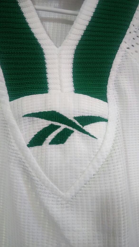 5474e9fd83777 camisa guarani fc - branca reebok 2000. Carregando zoom.