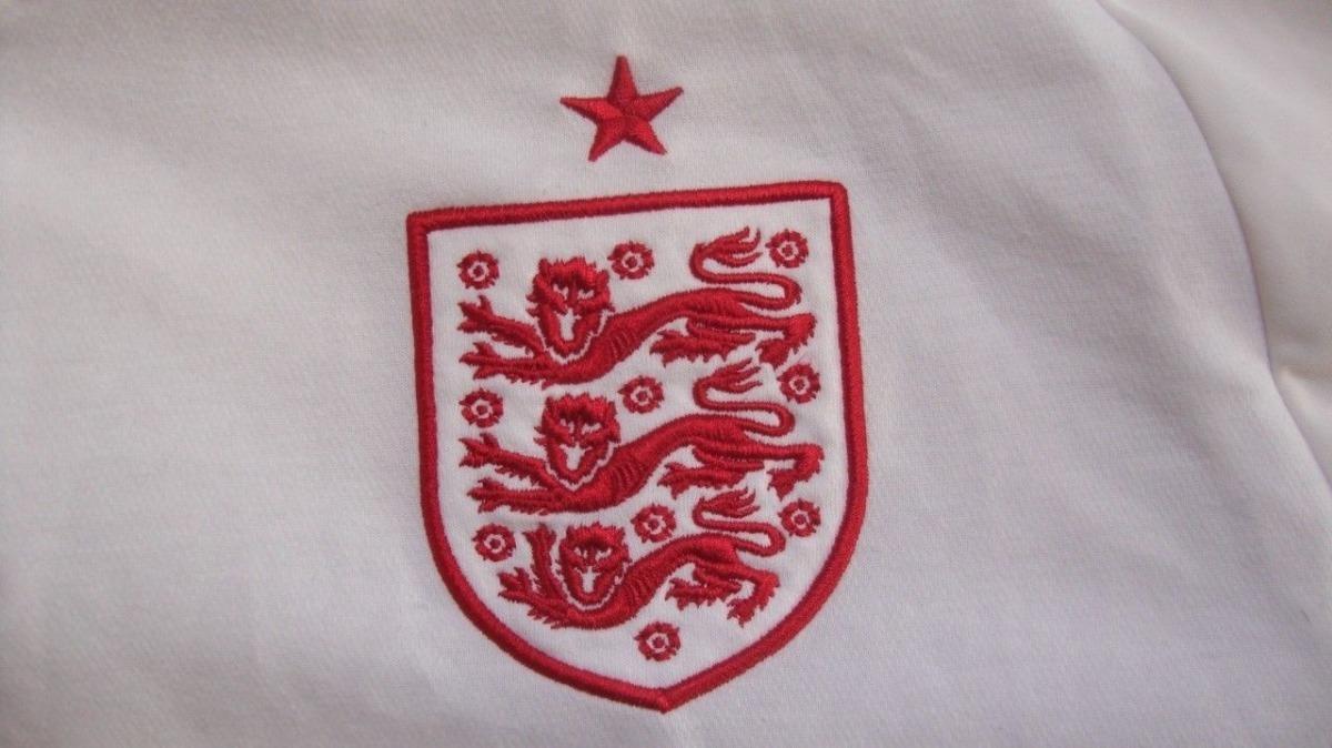 1ad800892ab45 camisa inglaterra umbro 2012 14 gg branca home excelente. Carregando zoom.