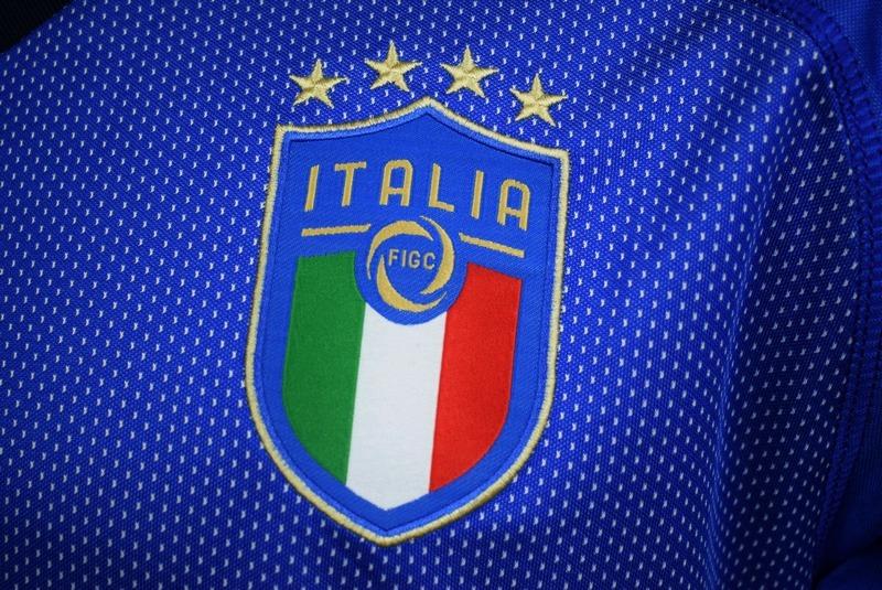 522f3b3c31 camisa itália 2018 2019 home uniforme 1 jorginho bonucci. Carregando zoom.