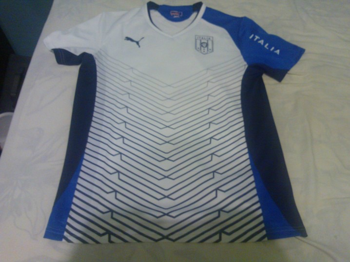 Camisa Italia Puma 2013.. P.. Branca.. Treino.. - R  89 e363779da3973