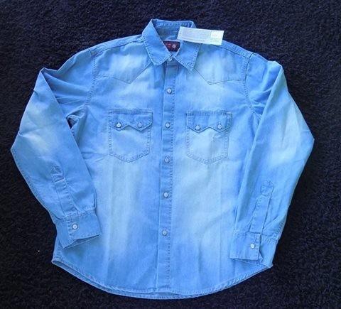c06f2ee4fb0e26 Camisa Jeans Azul Claro Masculina Manga Longa - R$ 99,90 em Mercado ...