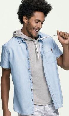 e9cdf13270 Camisa Jeans Masculina Hering Em Modelagem Slim - R  119
