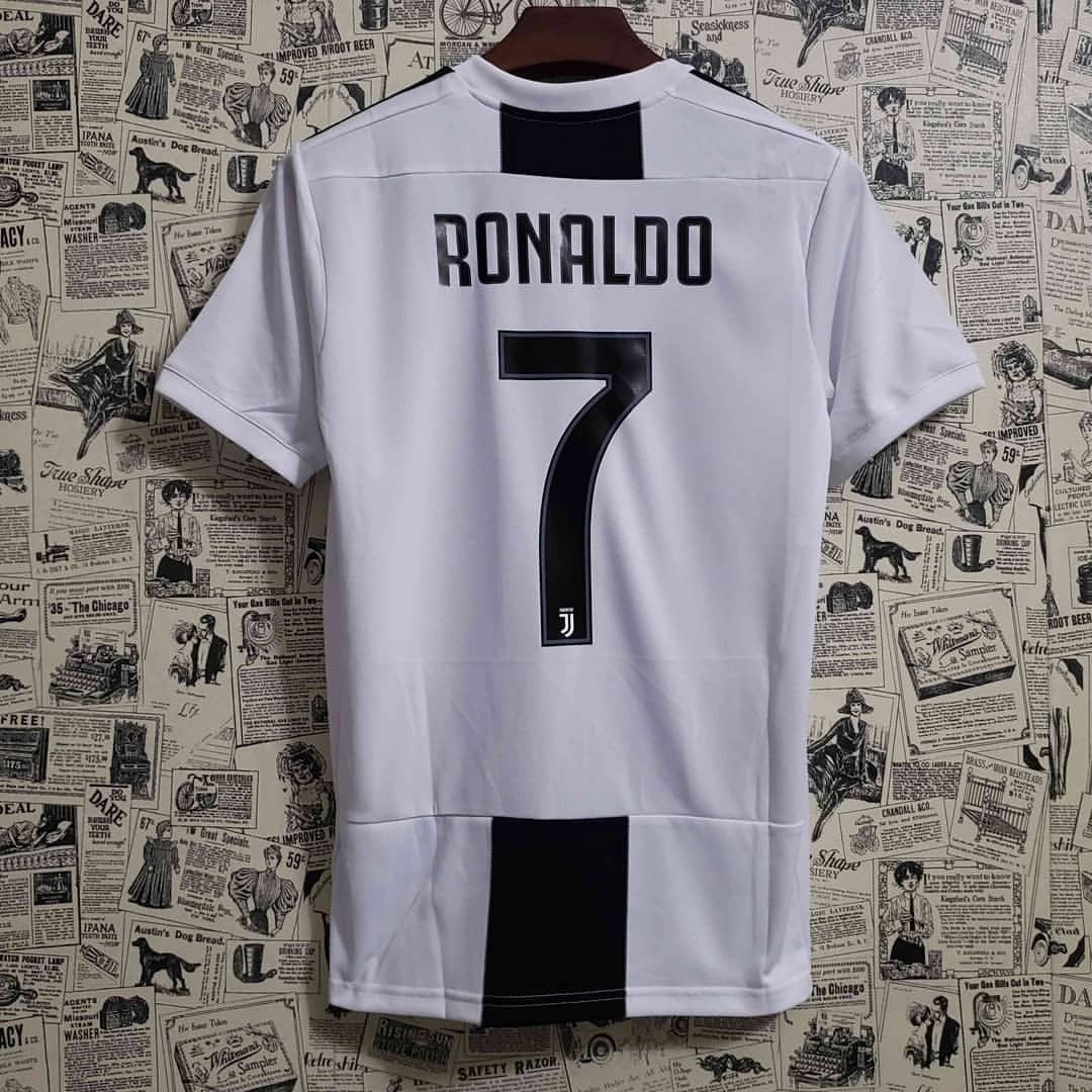 2147b8cc3 camisa juventus - cristiano ronaldo - versão jogador 2018 19. Carregando  zoom.