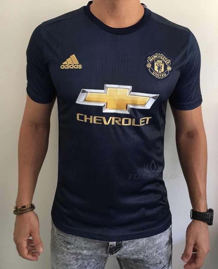cc89619bb camisa manchester united 3 2018 19. Carregando zoom.