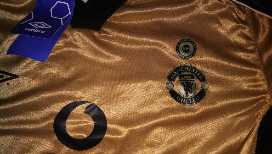 16f374617 camisa manchester united centenário 100 years 1902-2002. Carregando zoom.