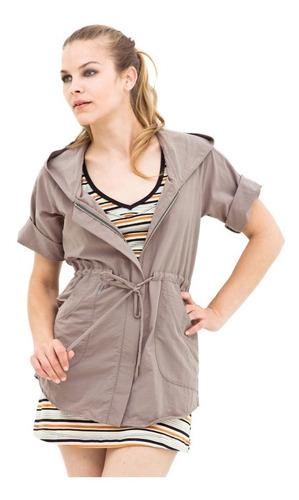 camisa manga corta c/tela tratada p/repeler insectos natural