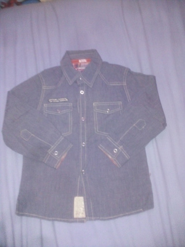 camisa manga larga color gris de talla 2 años