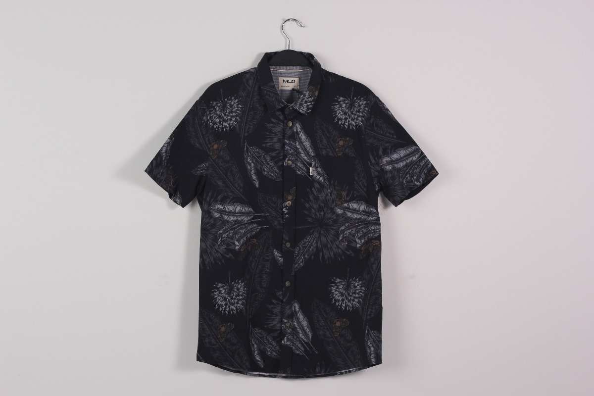 camisa mcd core leaves manga curta. Carregando zoom. 257f6c20d49