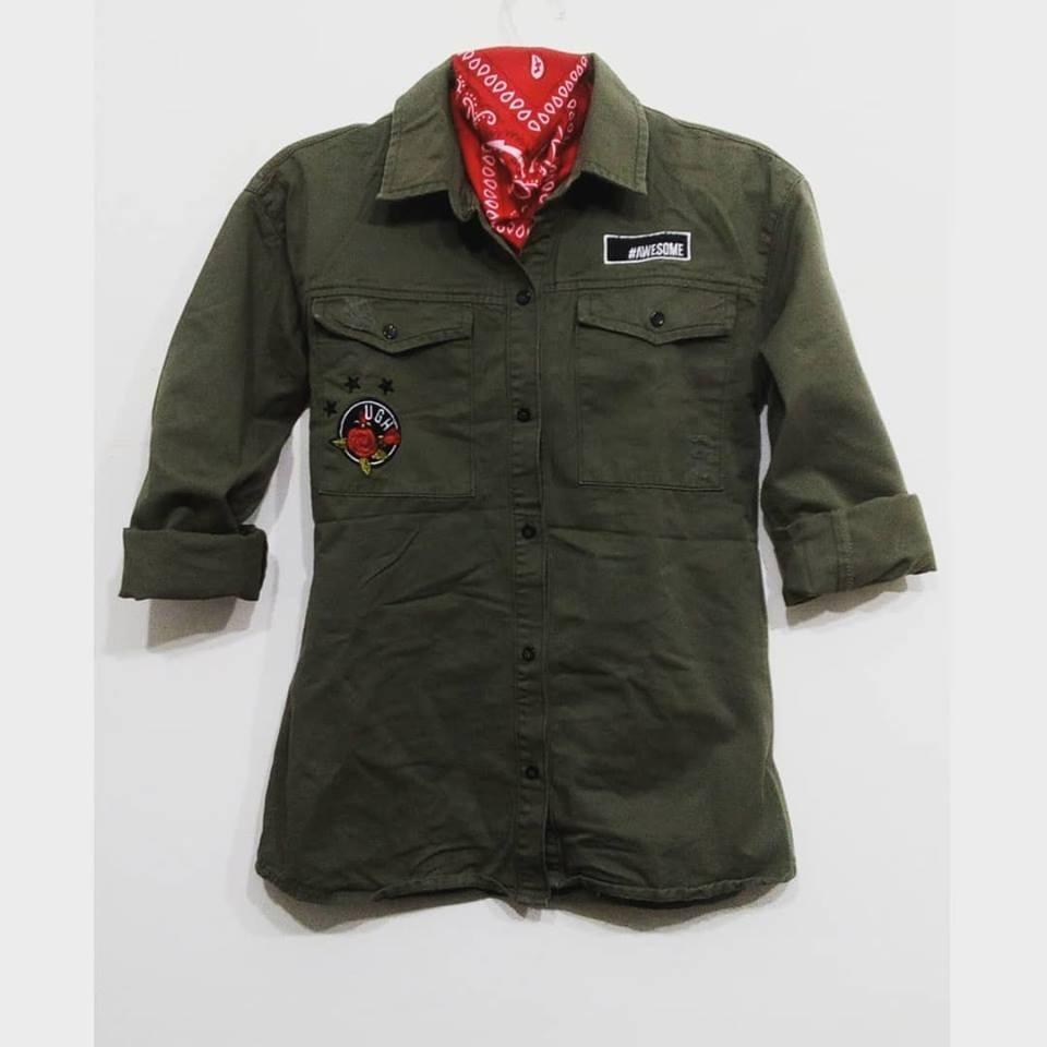 lo último 7bad2 6e5a6 Camisa Militar Mujer Bordada Estrellas Parche
