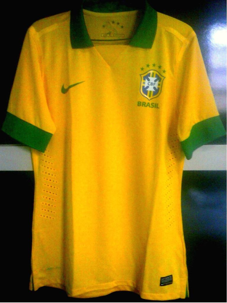 69afc69386 camisa nike brasil 2013 modelo jogador. Carregando zoom.