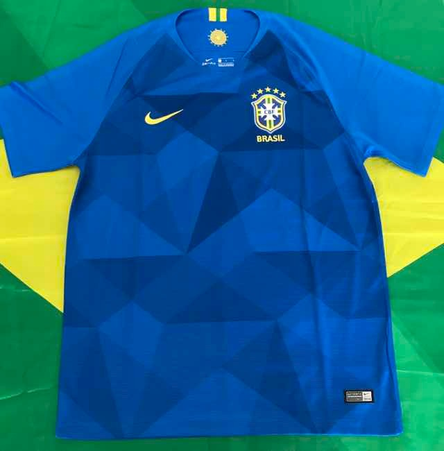 5c2bdd859e23e Camisa Nike Seleção Brasil Futebol Cbf Copa 2018 Tamanho G - R  300 ...