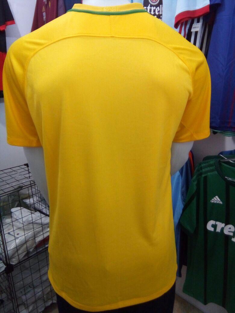 b4df8f95f79aa camisa nike seleção brasil i s nº torcedor - amarela. Carregando zoom.