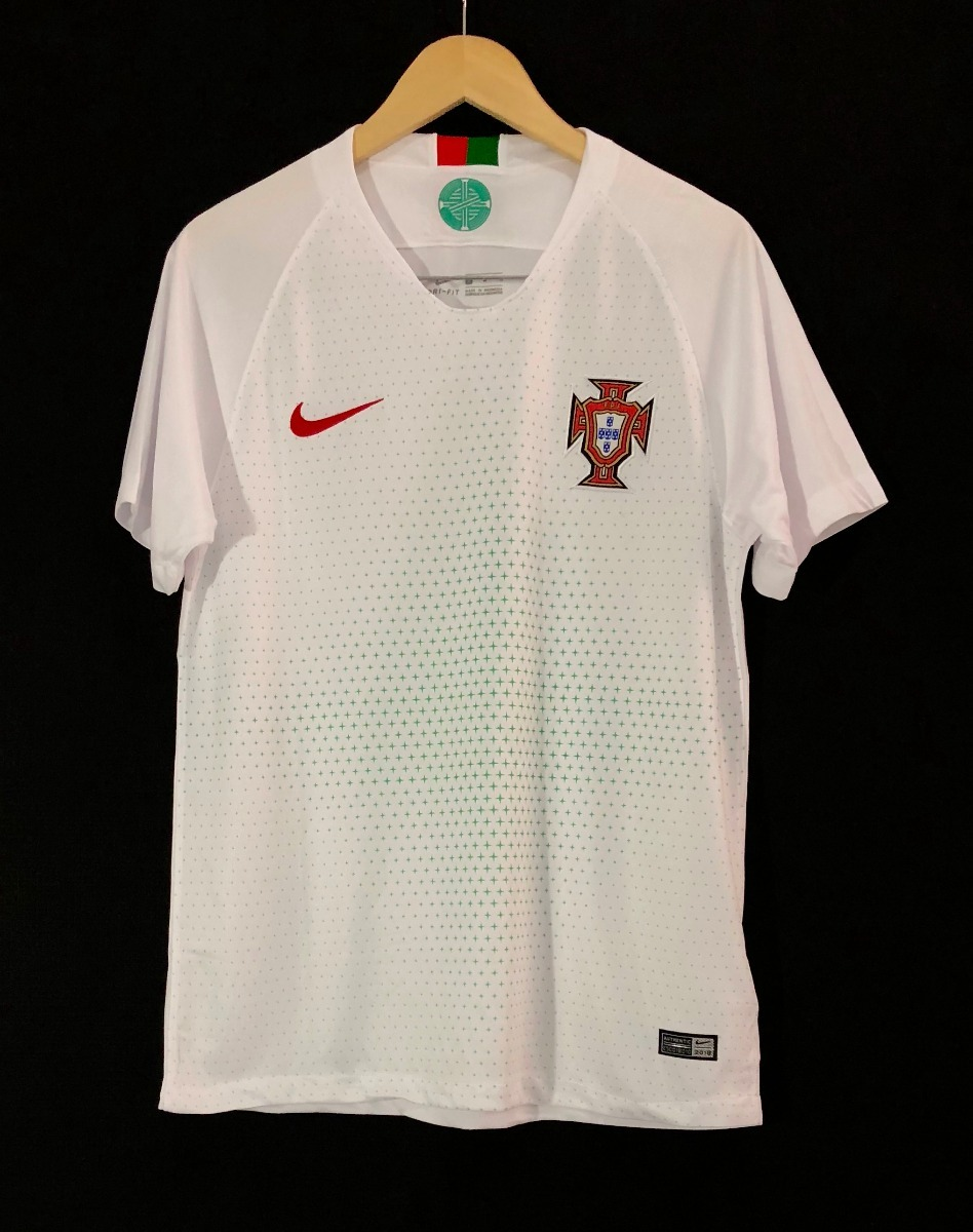 1d006f5c4d3a3 camisa nike seleção portugal 2018 oficial copa do mundo away. Carregando  zoom.