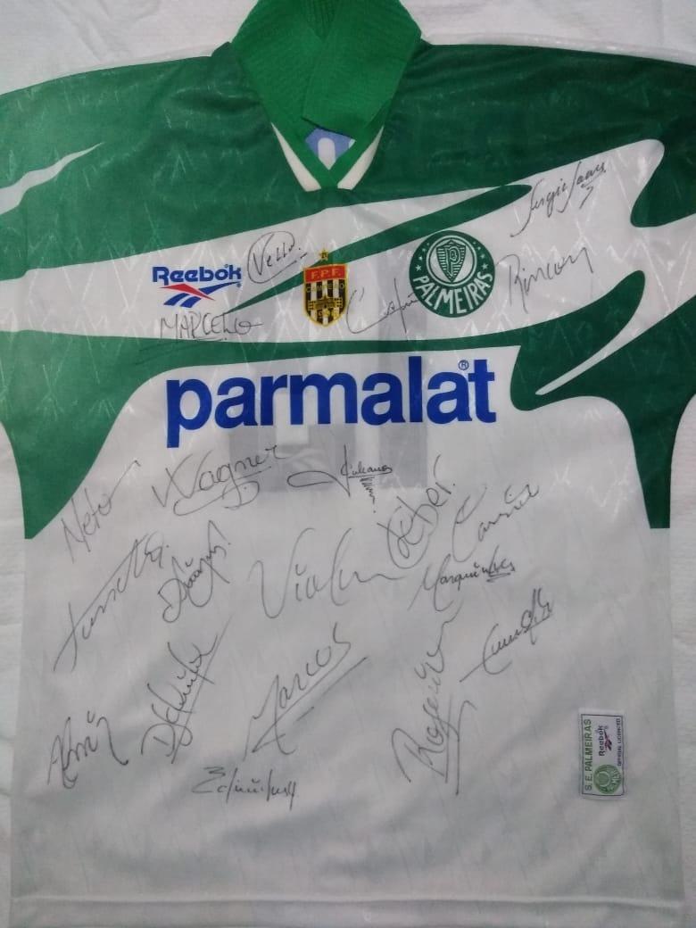 camisa oficial autografada palmeiras campeão paulista 1996. Carregando zoom. e78b808d7d446