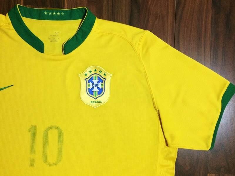 a2c70c87c1 camisa oficial cbf nike gg seleção brasileira 06 ronaldinho. Carregando zoom .