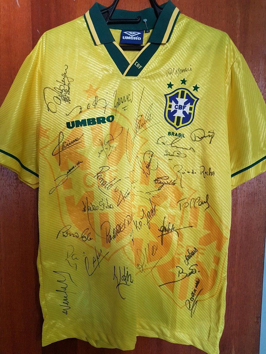 ba0ddac28b6e7 camisa oficial seleção brasileira do tetra 94 autografada. Carregando zoom.