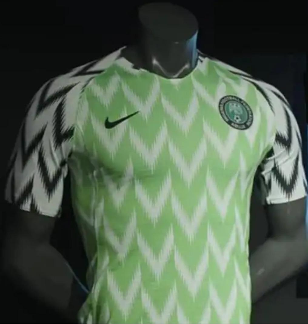 9327ae79ee4f9 camisa original nigéria copa 2018 (home). Carregando zoom.