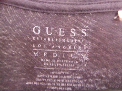 camisa playera guess edicion  phantom moda fashion gris