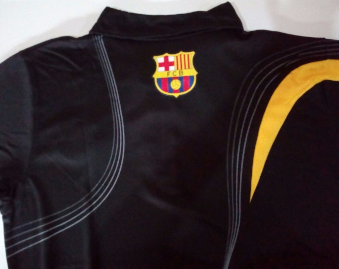 e1d11cc985166 camisa polo do barcelona preta com ziper frete grátis. Carregando zoom.