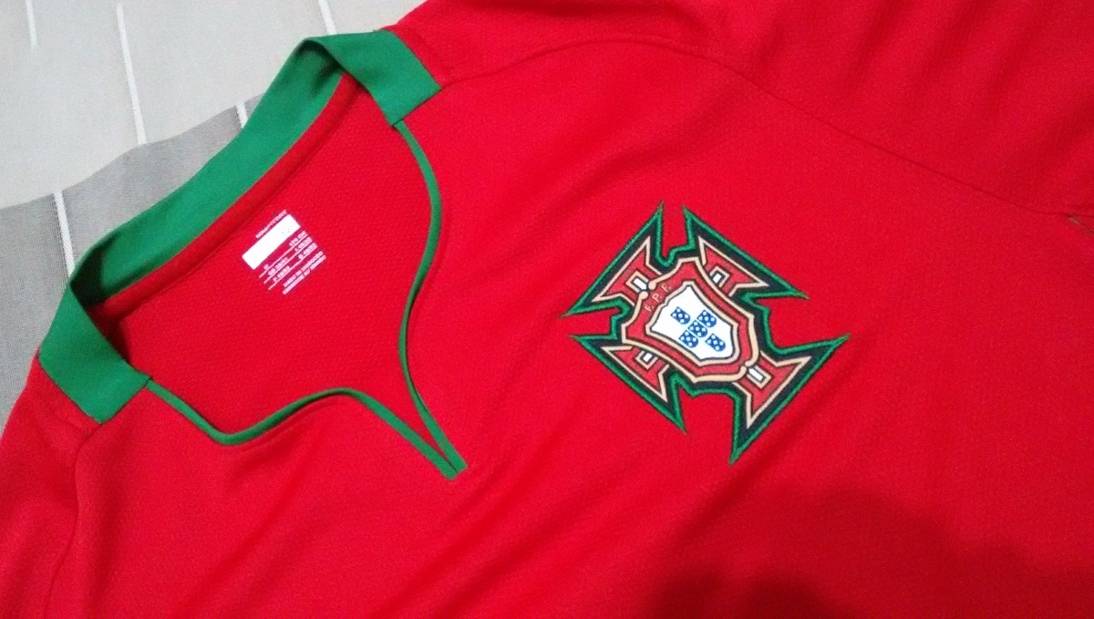 b9b811da16 camisa portugal 2008 - vermelha - nova - original nike. Carregando zoom.