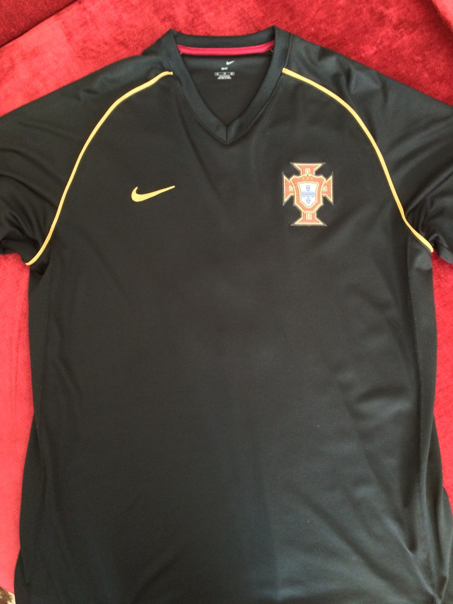 215a3c35b1 camisa portugal preta - número 9. Carregando zoom.
