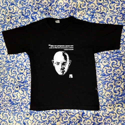 camisa preta michel foucault