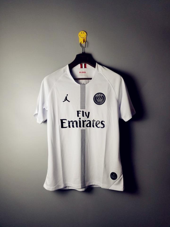 0d6a6fc634 camisa psg paris saint germain jordan branca 18/19 original. Carregando  zoom.