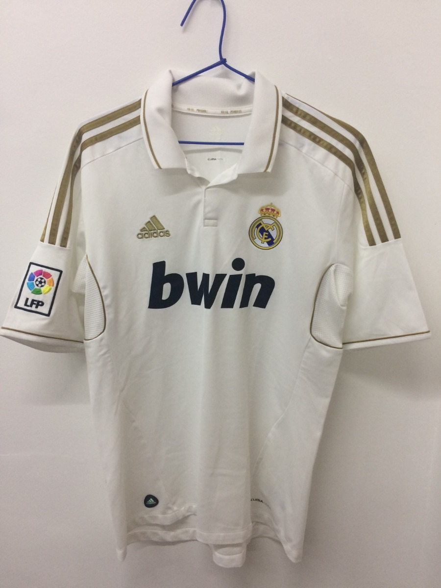 2189714a8b camisa real madrid manga curta original temporada 2011 2012. Carregando  zoom.