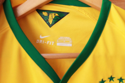 5ef1b829e6 camisa seleção brasileira 2014 brasil nike gravada gui usada. Carregando  zoom... camisa seleção brasil