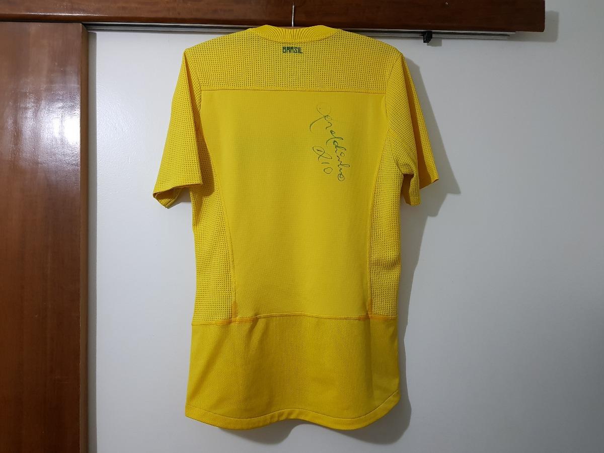 d4ca7f69c063e Carregando zoom... seleção brasil camisa. Carregando zoom... camisa seleção  brasileira brasil 2011 nike autografada