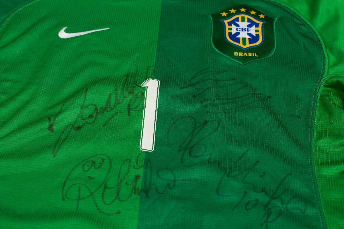 857d8fbab5 camisa seleção brasileira autografada ronaldo original nike. Carregando  zoom.