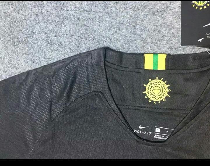 beb53e4dfe Camisa Seleção Brasileira Goleiro Preta Nike Dry-fit 2018 - R  189 ...