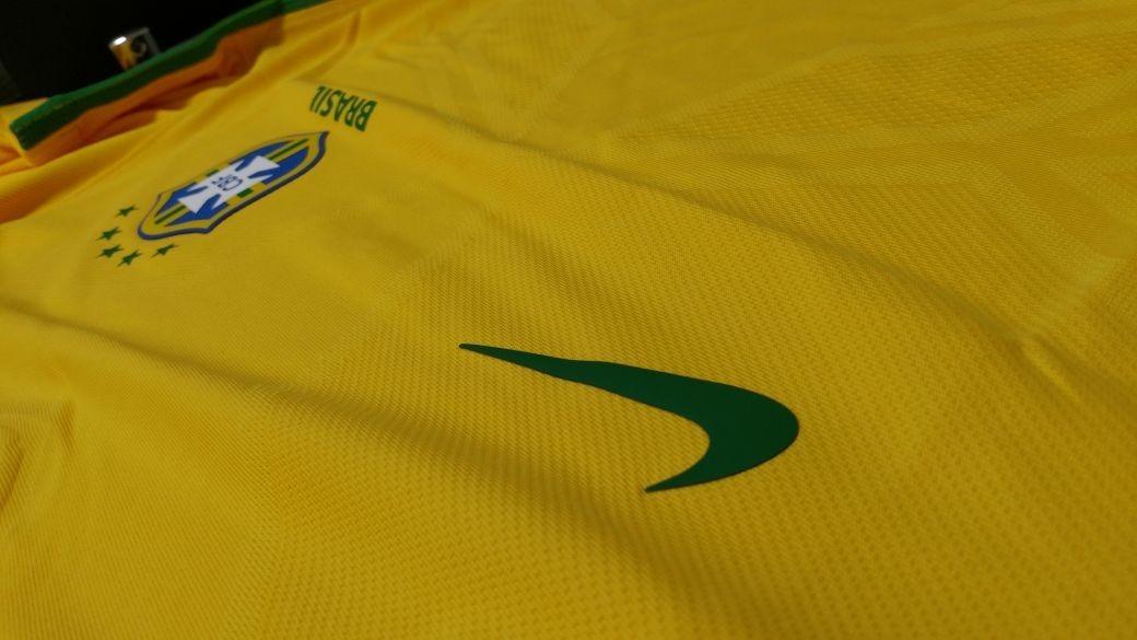 c05a567b6f camisa seleção brasileira nike aeroswift mod. 2016. Carregando zoom.