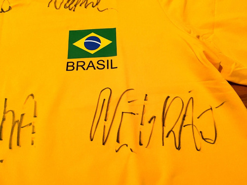 camisa seleção brasileira volei autografada 5 campeões