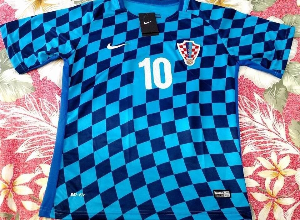camisa seleção croácia vermelha - modric 10 eurocopa 2016. Carregando zoom. c99bbc4e0decd