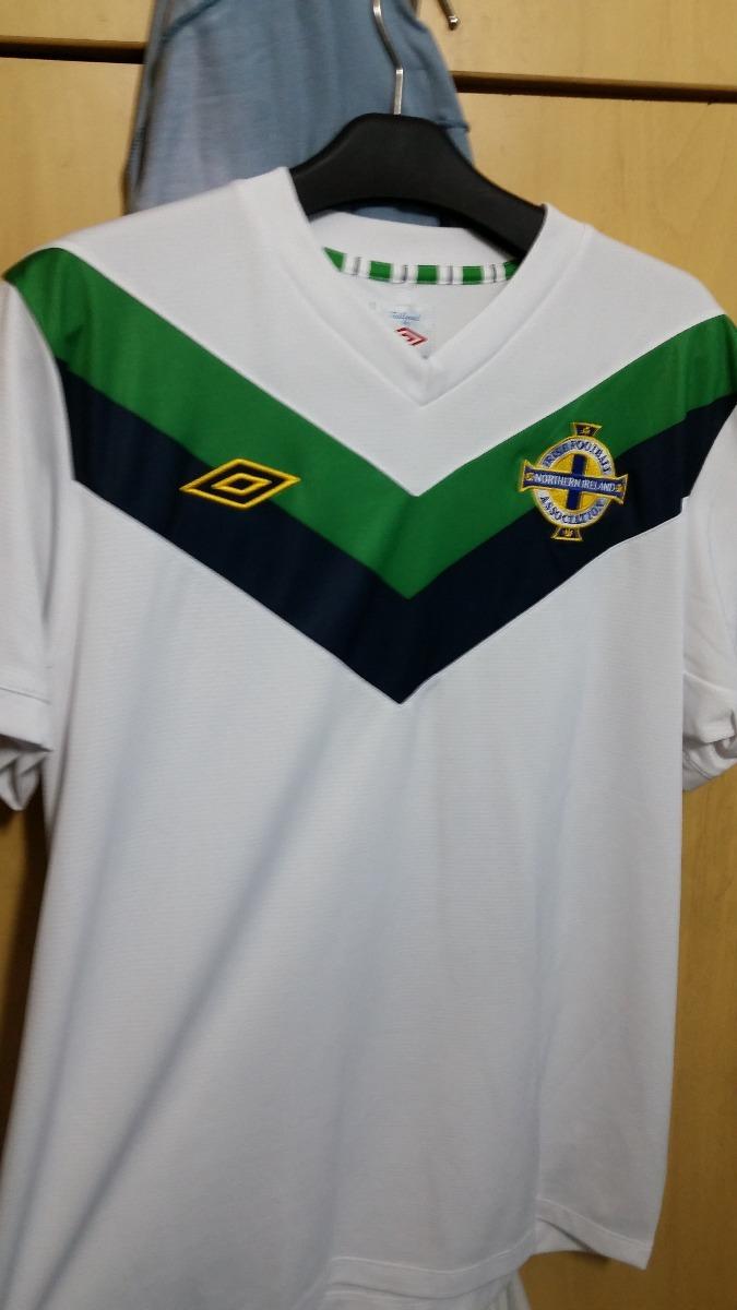 e2fdf57ed1 camisa seleção irlanda do norte 2014 umbro tam  m. Carregando zoom.