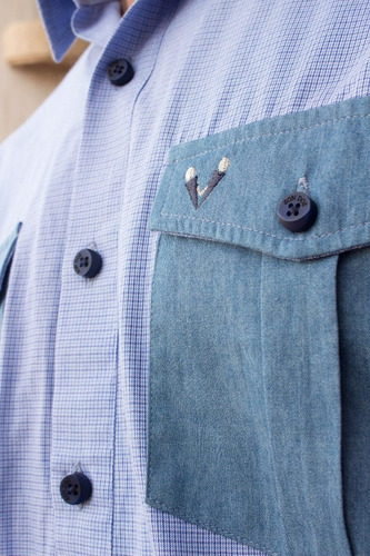 camisa slim fit azul en mini cuadros