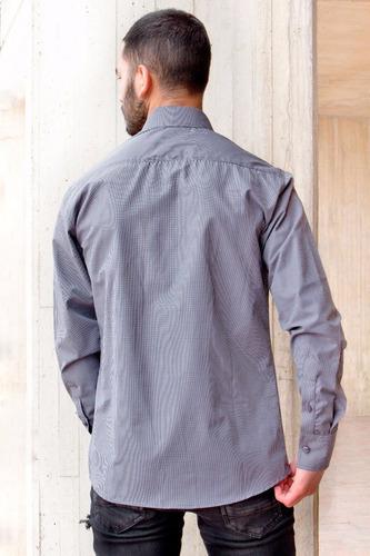camisa slim fit  mini cuadros gris oscuro y blancos clasica