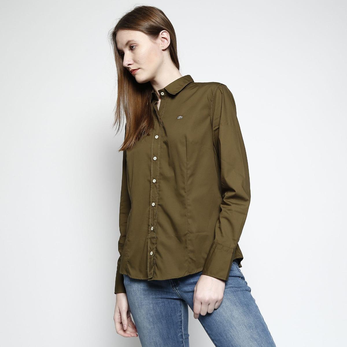 050a8b0b220 camisa social lacoste feminina slim bordado - verde militar. Carregando  zoom.