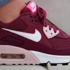 f7086a72d7a Nike Air Max 90 Essential Feminino - Calçados