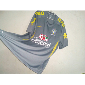 7544c2c1e5b86 Camisa De Treino Seleção Brasileira Cinza - Esportes e Fitness no Mercado  Livre Brasil