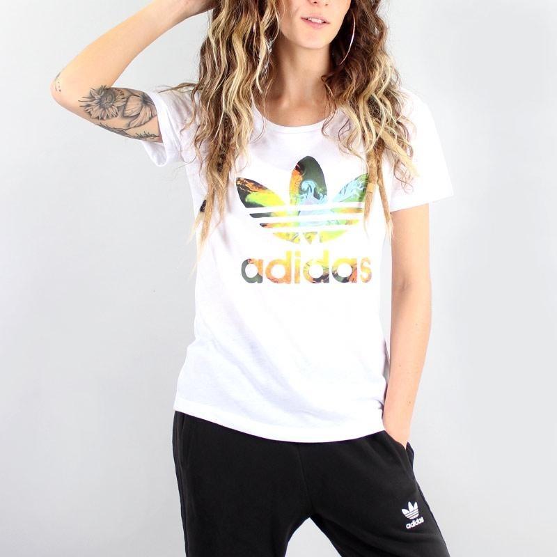 748f8c45ea camiseta adidas feminina graphic branca nâo farm. Carregando zoom.
