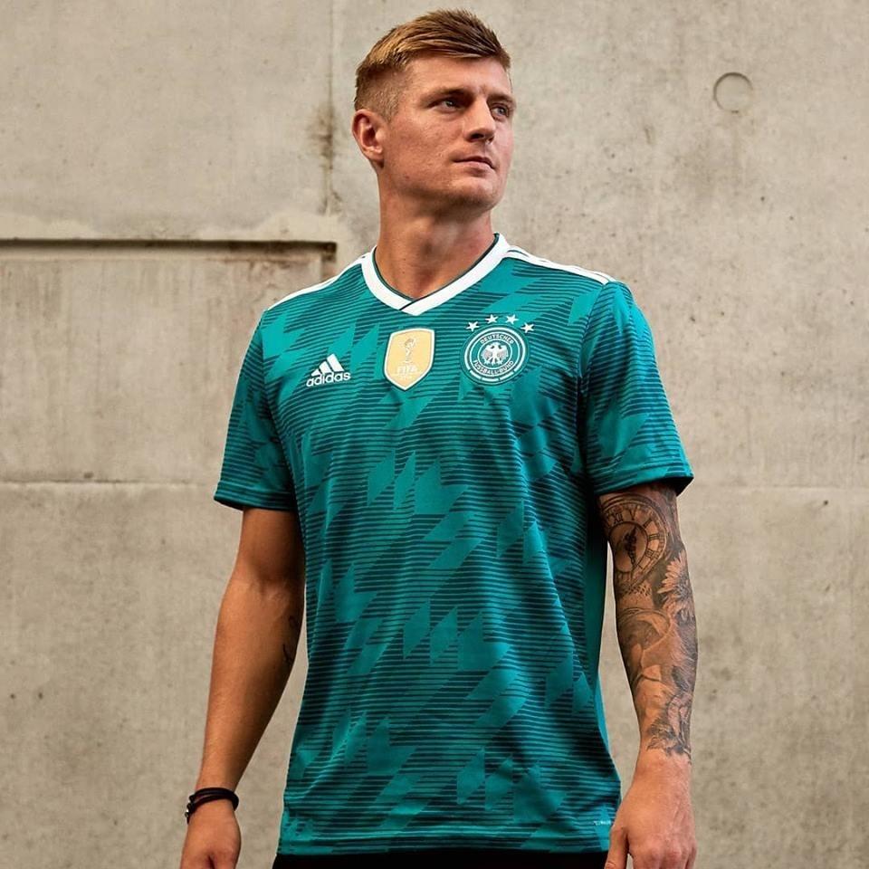 4c8fbf17a6ec9 camiseta adidas selección alemania suplente mundial 2018. Cargando zoom.