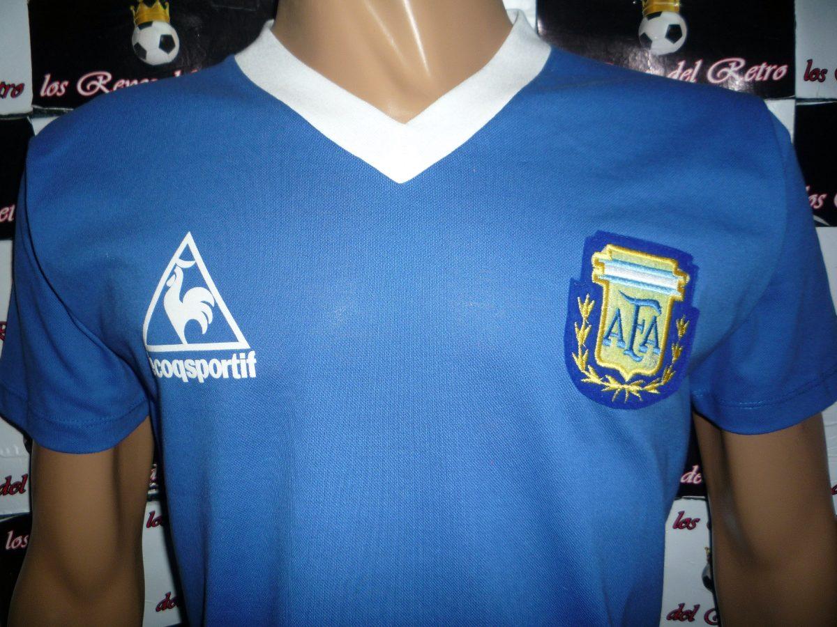 b033870776 Camiseta argentina retro alternativa azul maradona cargando zoom jpg  1200x900 Argentina camiseta azul