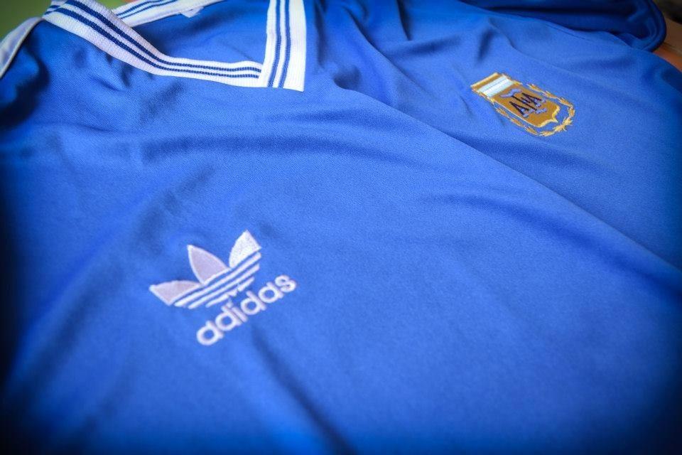 95adac7d58 camiseta argentina suplente 1990 retro maradona 10. Cargando zoom.