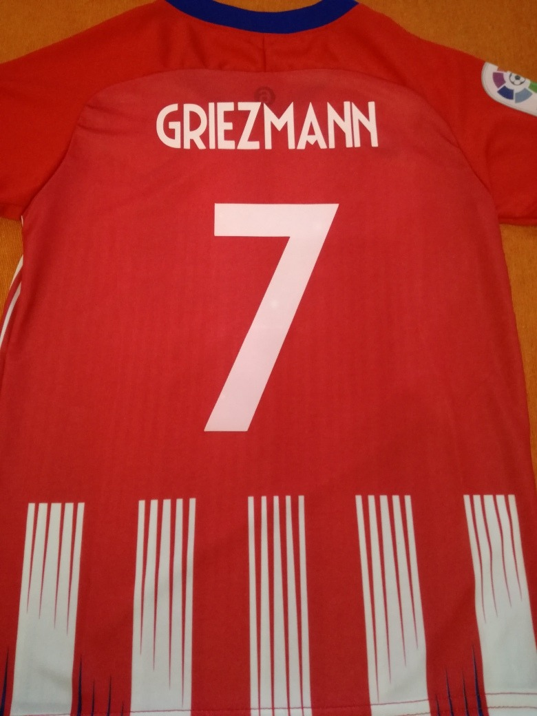 00c93639cf7b6 camiseta atletico madrid titular  7 griezmann niños. Cargando zoom.