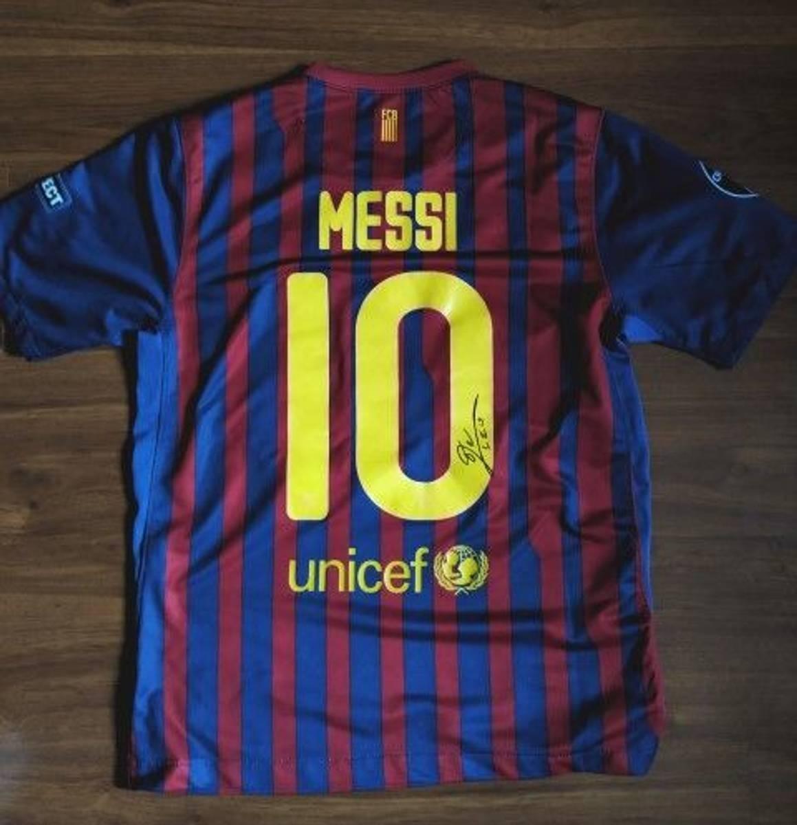 11a2a8731cdf6 camiseta barcelona autografada pelo messi. Carregando zoom.